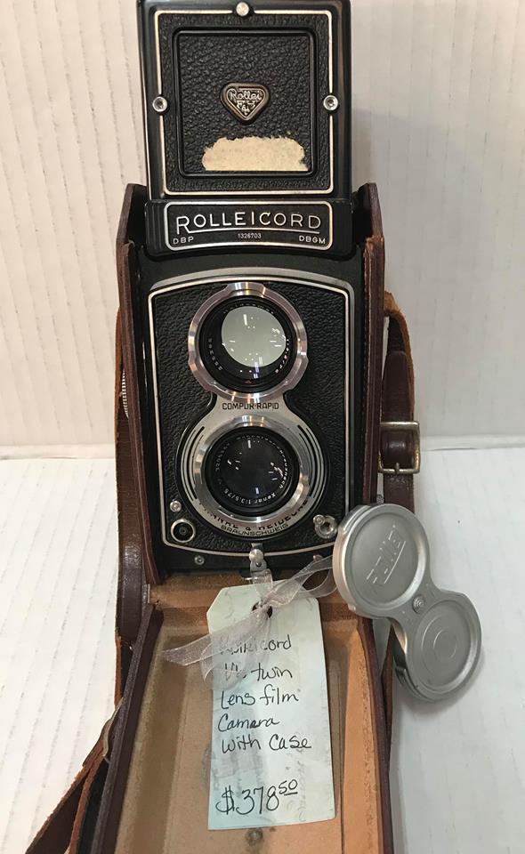 Vintage Rolleicord VB Twin Lens Film Camera
